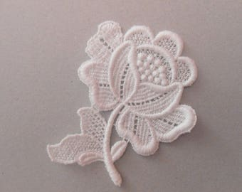 Applique lace white 7 x 6 cm