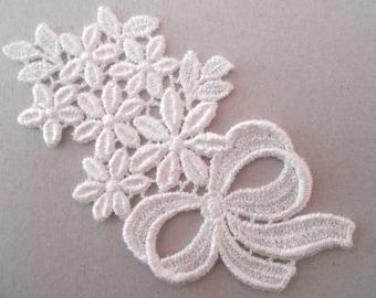Lace flowers 9 x 5 cm