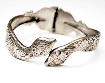 Silver Snake Bracelet - Hinged clamper bangle - Etched Silvertone Serpent cuff bangle