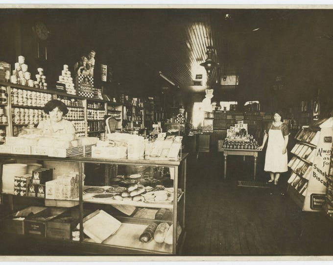 Grocery Store Interior, 1926: 5x7 Vintage Photo  (710614 O/S)
