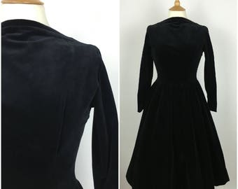 Vintage 1950s Dress - 50s Black Velvet Swing Dress - Full skirt - Long Sleeved - Evening Dress - Formal - Small - UK 8 / US 4 / EU 36 -