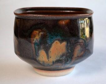 Robin Hopper Bowl / Vancouver Island Art / Made in Canada