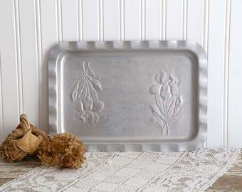 Vintage Aluminum Tray, Small Aluminum Tray, Hammered Aluminum, Aluminum Dresser Tray