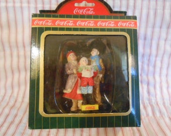 Town Square Collection-Coca Cola-Carolers #64327-Sealed