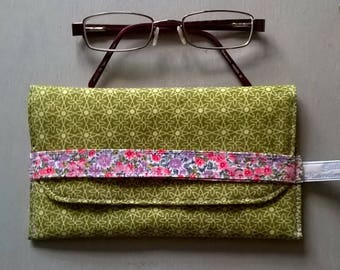 Olive Geometric Fabric Glasses Case with White Floral Lining / Specs case / Pouch / Purse / Bag / Eye glass case
