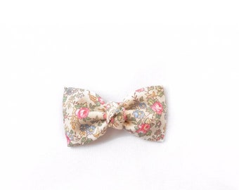 classic bow || vintage floral