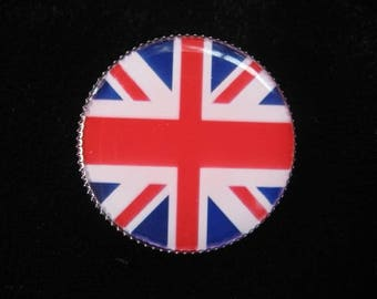 "Small vintage ""Union Jack"" ring set in resin"
