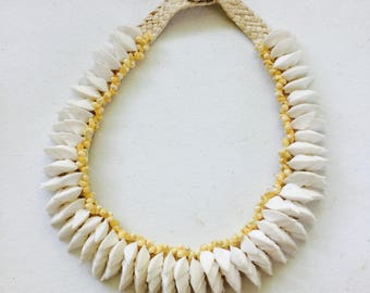 Tahitian Shell Necklace: White Tahitian Shells Lined with Yellow Shells