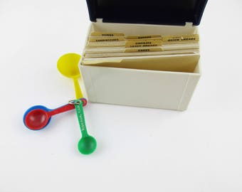 A 'Robin Hood Flour' Recipe Box - Full of Original Recipes - Measuring Spoons - Kitchen History - Recipe Cards With Robin Hood