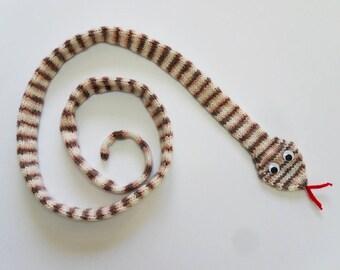 Knit / Snake Scarf