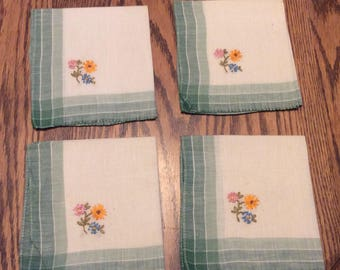 Vintage Embroidered Cloth Napkins Embroidered , Green and White Embroidered Napkins