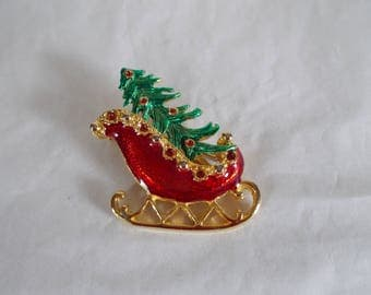Vintage Metal Enamel Santa Sleigh Carrying A Tree Brooch //22