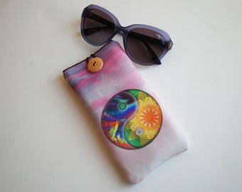 Glasses case, sunglasses case, glasses sleeve, Yin Yang glasses sleeve, eyeglasses case, cat, quilted eyeglass case, sunglasses sleeve