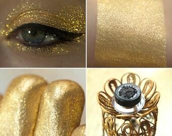 Eyeshadow: Bathing in Luxury - Nomad. Golden metallic eyeshadow by SIGIL inspired.