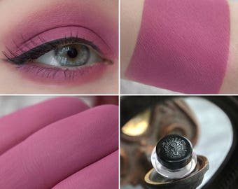 Eyeshadow: Royal Chirper - Light Castle. Rich pink matte eyeshadow by SIGIL inspired.