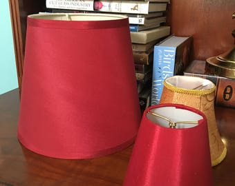 Lot of three lamp shades red gold mint