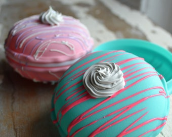 Large Macaron Containers