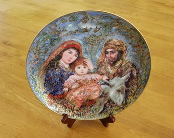 """Knowles - Eedna Hibel Christmas plate 1987 """"The Flight into Egypt"""""""