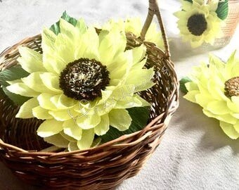 Paper flowers, wedding flowers decor,sunflowers paper, bridal decor, wedding flower,wedding decor,party decor, flower,