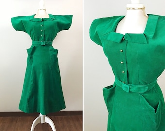 Vintage 1950s Dress / 50s green dress / Corduroy Dress / Pockets / Gold buttons