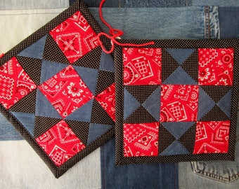 Quilt Sqaure Potholder Pair- Happy Home Misc.