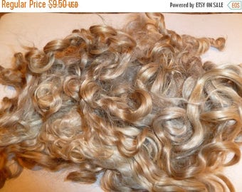 SALE Prime Kid Mohair wool locks hand picked and seperated, colour champagne blonde