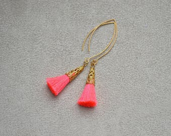 """Earrings """"Lee"""" plated findings gold and neon pink cotton tassel"""