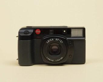 Original LEICA AF-C1 analogue 35mm film Camera with 2.8 40mm - 5.6 80mm lens. Genuine quality German camera with case. Point&shoot