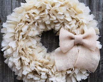 White Burlap Winter Wreath, White Christmas Wreath, Holiday Wreath, White Decorations, Country Christmas, Country Decorations, Rustic Wreath