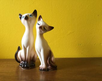 Vintage Siamese Kitty Cat Shaker Set