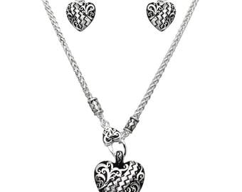 Apopka Heart Etched Necklace set