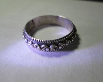 ring, size 10... sterling silver