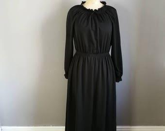 70s long black dress / black maxi dress / rouched shoulder dress / long sleeve black maxi dress / winter dress / long black evening dress