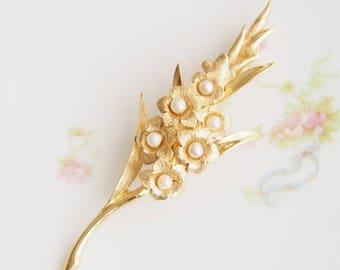 Vintage Boucher Goldtone Pearl Gladiolus Flower  Brooch Pin
