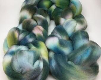 SKY & FIELDS: Hand-Dyed Small-Farm Targhee Wool Top (3oz)