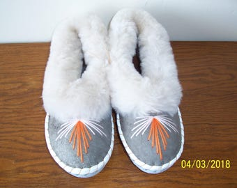 Sheepskin slippers EU41= US 9,5 / Fur leathers slippers /  Warm slippers / Fur Moccasin / Gift for Women
