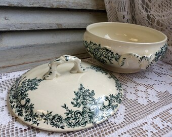 Antique french forest green transferware small vegetable tureen. Dark green transferware Covered serving tureen. Jeanne d'Arc living.