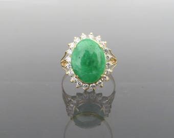 Vintage 18K Solid Yellow Gold Natural Green Jadeite Jade & White Topaz Halo Ring Size 9