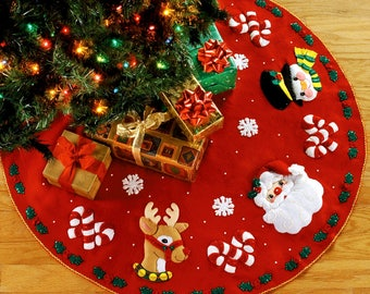 "Santa & Friends 43"" Bucilla Felt Christmas Tree Skirt Kit #83962"