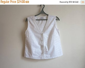 ON SALE Snow White Cotton Top Sleeveless Summer Blouse Button up Embroidered Maternity Blouse Large Size