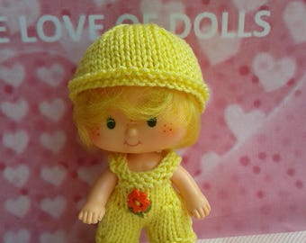 Vintage Strawberry shortcake doll in hand knitted outfit