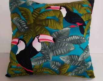 Toucan Pillow/Toucan throw pillow/Tropical Bird Pillow/Toucan pillows/Exotic bird pillow/decorative pillows/throw pillows/Bird pillows