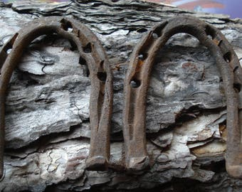 Vintage Horse Shoes/ Set of Two Used Rusty Horse Shoes/ Vintage decor / Old horseshoes/ Farm Horse Shoe/Great Patina/1950s