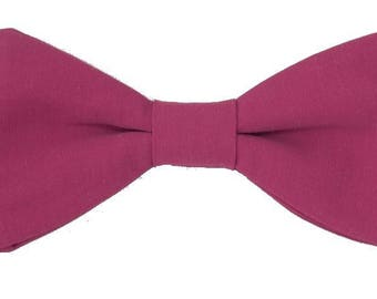 Raspberry pink bow with straight edges