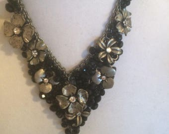 Necklace, black and gold