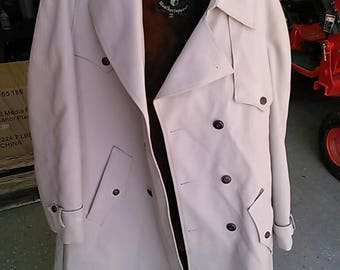 Vintage 1970's Men's Botany Weather topper  Trench Coat/Jacket. Removable Liner. Size 44 Long. Made in U.S.A. Lined.
