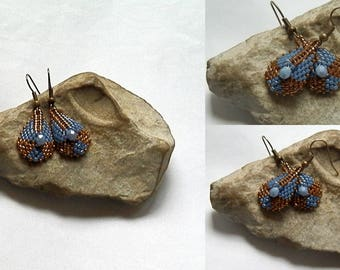 Earrings woven blue and bronze