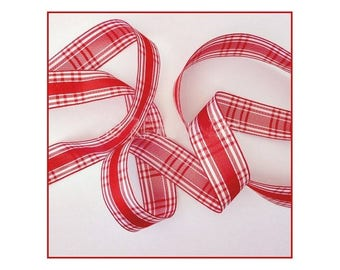 3 meters of tape 15 mm red and white Plaid