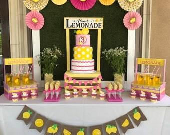 Lemonade Sign - Summer Decor - Lemon sign - Lemon Decor - Summer Decor - Summer Signs - Personalized Lemonade Sign - Farmhouse Decor