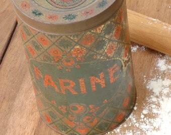 Boîte en fer à bonbons Suisses Roussier, Boîte à farine , Tin Box, French Candy box Frenchvintagecharm